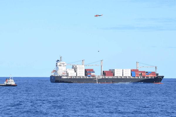Extraction fioul fuel porte-conteneurs Kea Trader août 2017