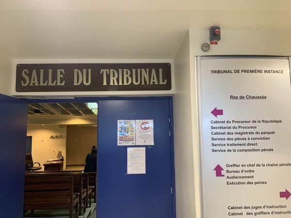 Usine du Sud : caillassage justice Yaté