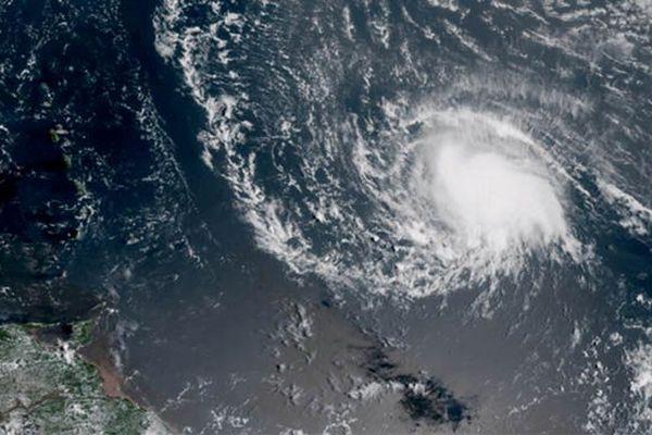Image satellite de la tempête tropicale Isaac le 11 septembre 2018