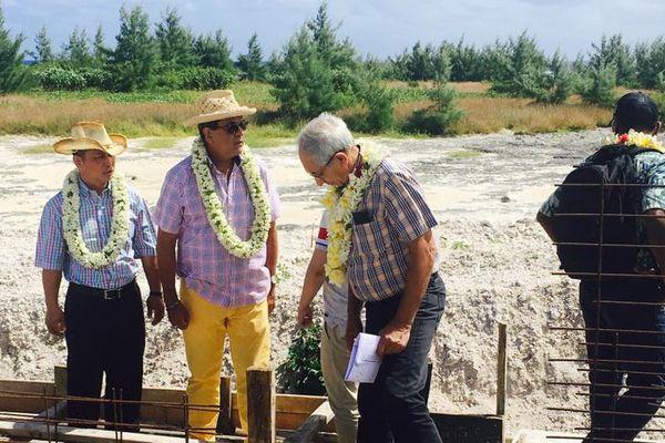 Ferme aquacole de Hao : Edouard fritch était sur l'atoll ce week-end
