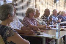 Le comité des sages en conférence de presse au centre Tjibaou, jeudi 5 août.