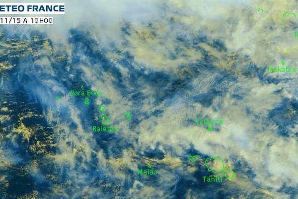 Une dépression tropicale faible à 200 km au nord de Mopelia