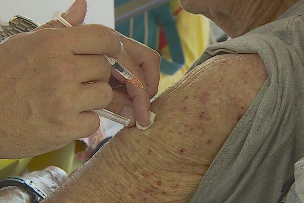 Covid-19 : la seconde campagne de vaccination a commencé
