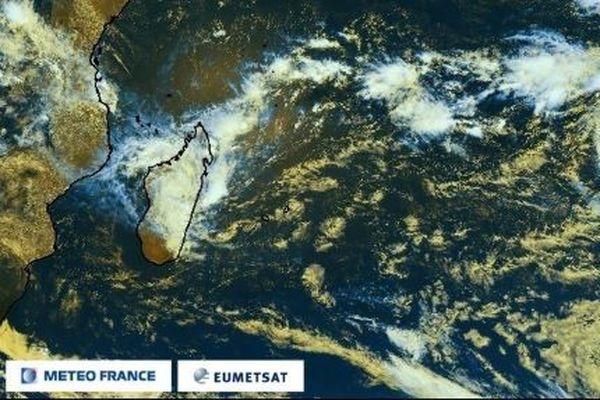 La tempête Chalane arrive sur Madagascar