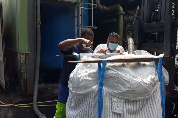 Récupération du charbon actif chargé de chlordécone et de micropolluants organiques