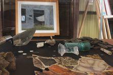 Des artefacts datant des XVIIème et XVIIIème siècle sont exposés au musée Archipelitude à l'île aux Marins
