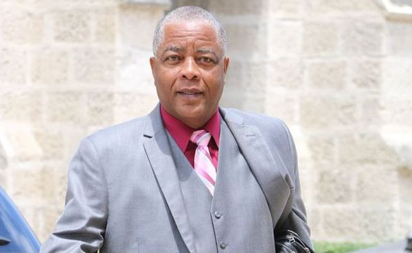 Barbade senateur Caswell Franklyn