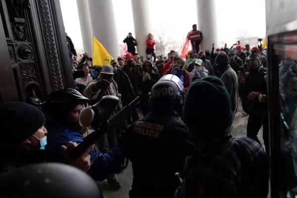 Coup de force des pro-Trump au Capitole