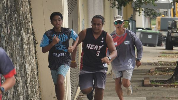 N.-Calédonie : mieux former les jeunes rameurs aux grandes compétitions de va'a
