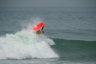 Championnats de France de surf : un doublé historique pour le jeune Guadeloupéen Martin Mouradian