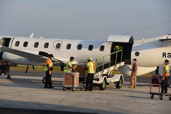 Kits dépistage partant des Îles Caïmans vers la Barbade / Coronavirus