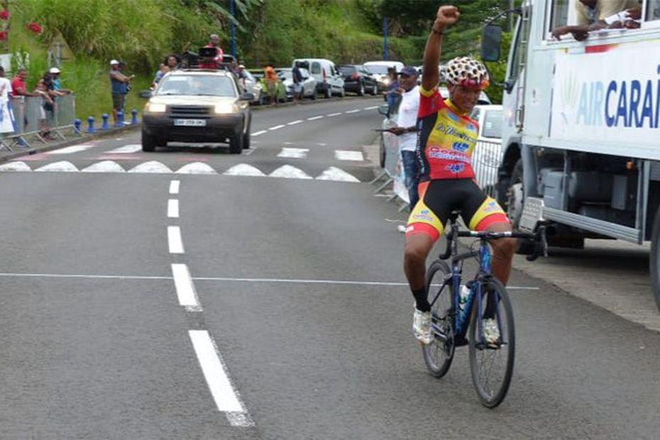 Eddy Michel Cadet-Marthe vainqueur en solitaire du grand prix de Sainte-Luce - Martinique la 1ère