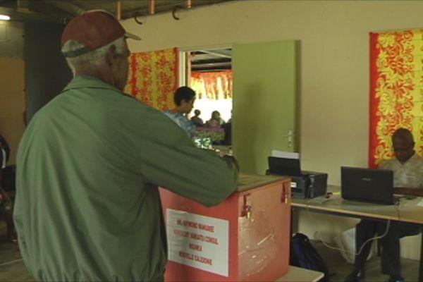 vote à Nouméa des ressortissants vanuatais