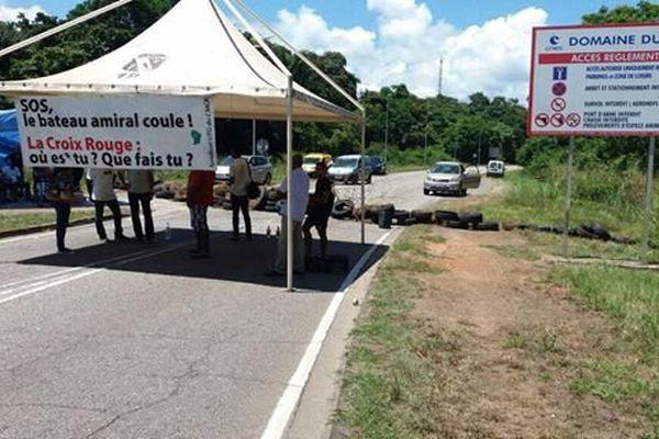 Barrage des agents du CMCK sur la route du CSG