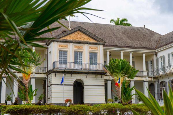Préfecture, façade