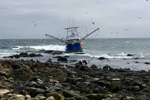 Le Arlene Adonna échoué sur l'île aux Marins 2