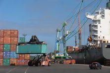 Le port autonome de Nouméa