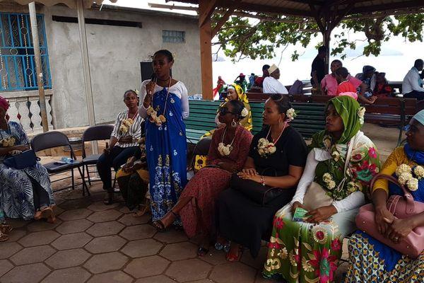 Les associations ont invité les aidants à venir les voir pour leur proposer des solutions à leur situation