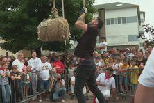 Les jeux de force basque, grand classique de la fête basque à Saint-Pierre et Miquelon
