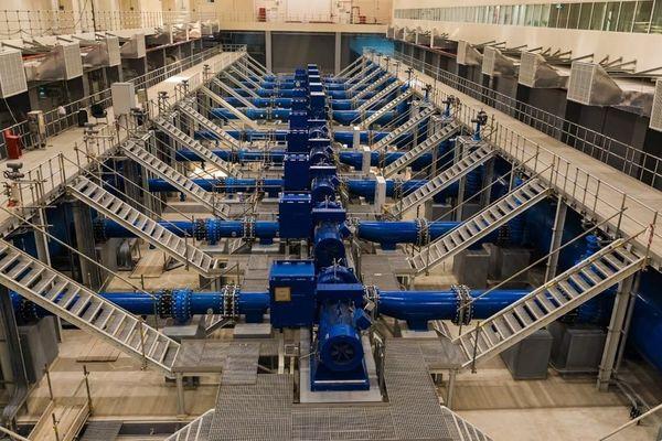 Eau / usine de dessalement au Qatar