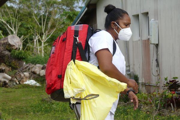 Infirmière centre médical Wé Lifou volontaire suivi malades covid