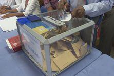 Opération électorale dans la commune du Marin (15 mars 2020).