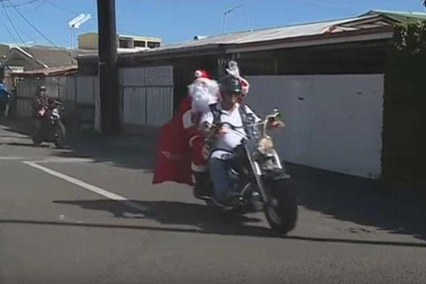 Le père Noël en harley