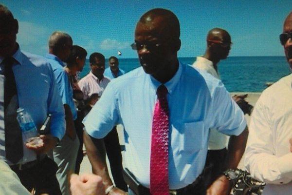 Chalus sur le port de Basse-Terre 2