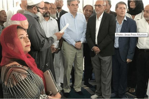 François Fillon visite la mosquée Noor-Al-Islam