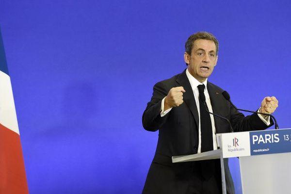 """Après les interrogations de Nicolas Sarkozy, les Républicains créé un """"groupe de travail"""" chargé de plancher sur le """"droit du sol"""""""