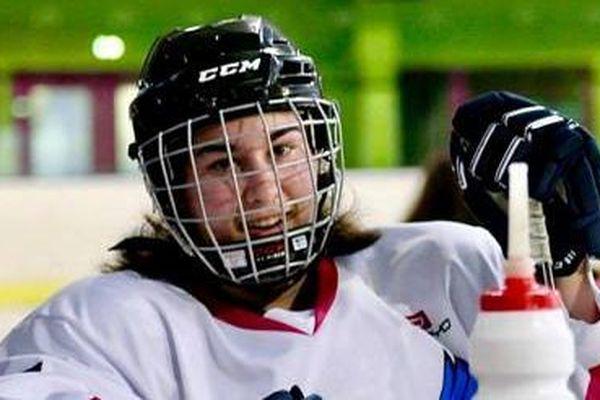 Léa Heudes dans le championnat de France Elite de hockey sur glace