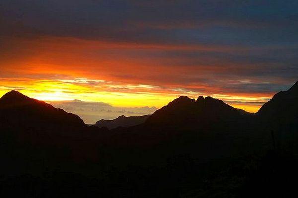 Lever de soleil sur La Réunion juin 2018