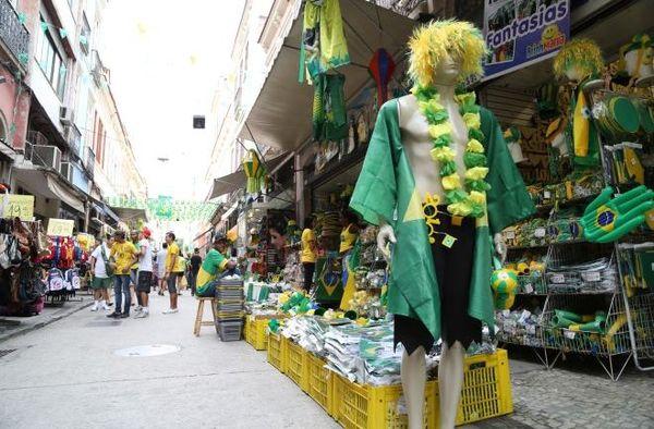 vendeur chemises Rio