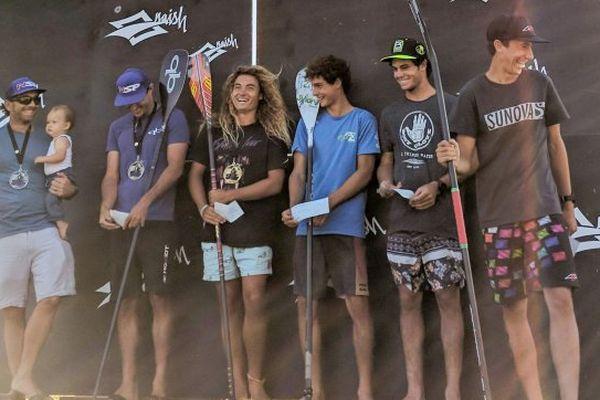 Sur le podium du double downwind, Puyo (2e à gauche), Colmas (4e) et Garioud (dernier à droite), tout sourire.