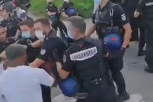 Echange musclé entre des militants et des gendarmers, à Saint-Martin, le 27/09/2021