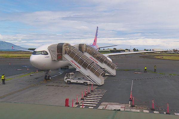 Premier atterissage à l'aéroport de Faa'a pour le nouvel A330neo de la compagnie Air Calin