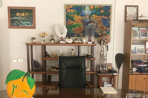Le bureau vide du maire de Punaauia, Rony Tumahai.