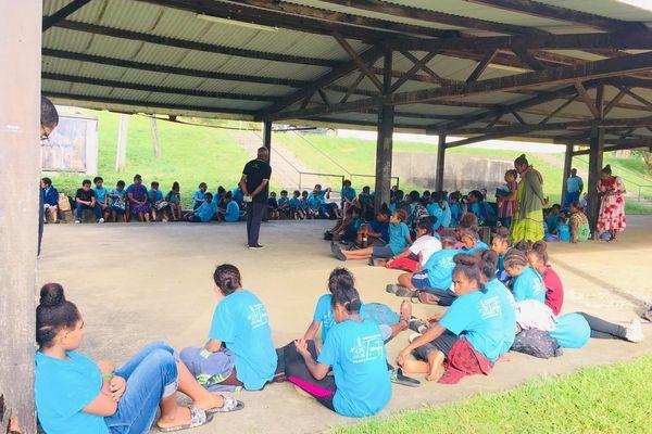 débrayage après vols, centre scolaire catholique de Teouty, 18 mai 2021, Ponérihouen
