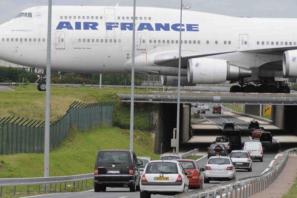 L'accès aux aéroports de Paris sera fortement perturbé dimanche et lundi