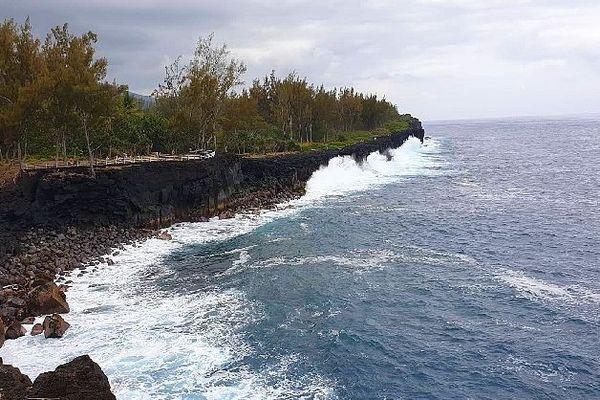 Ciel gris sur La Réunion début janvier 2020