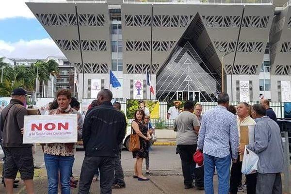 Manifestation contre la Route des Géraniums