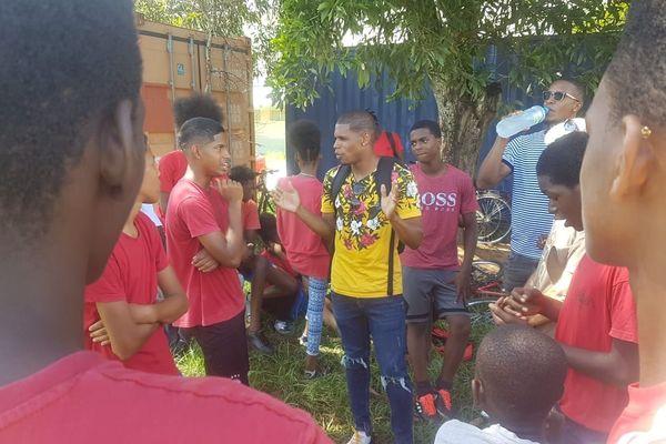 Football : Ludovic Baal rencontre les collégiens du collège Henri Agarande à Kourou