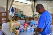 Collecte de denrées destinées à Saint-Vincent et les Grenadines (avril 2021).