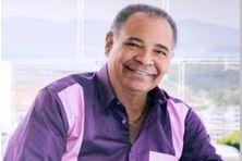 Le chanteur populaire martiniquais Claudy Largen.