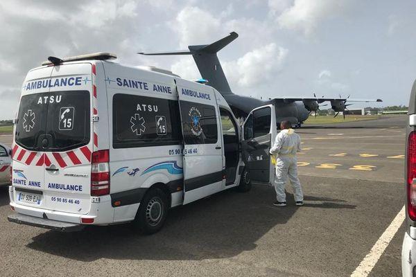 Evacuation sanitaire - avion militaire 5