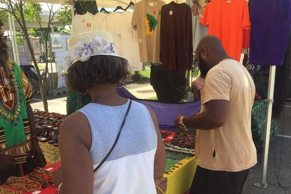 Le marché artisanal et artistique de Cayenne