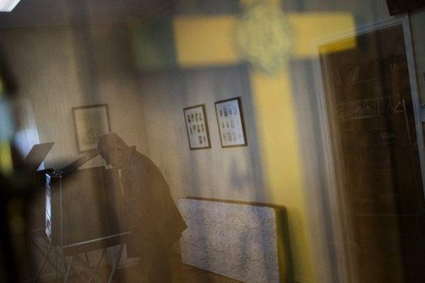 photo illustration croix prière