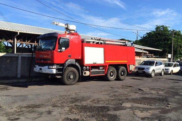 Dernière barge pour le véhicule des pompiers
