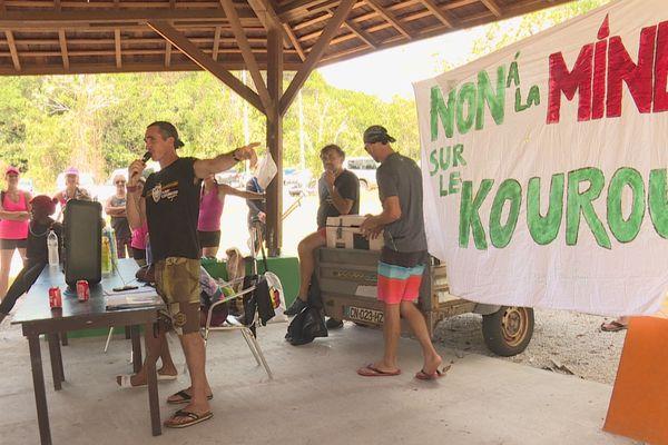 Manifestation contre l'exploitation minière sur le Kourou