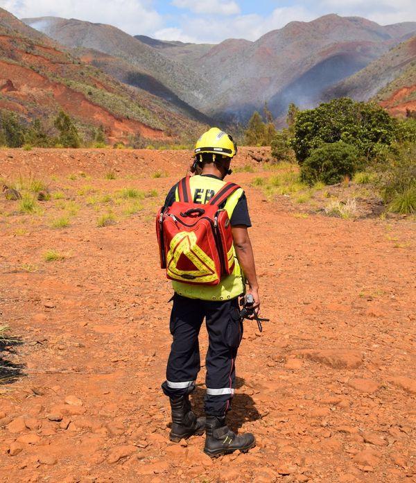 Pompier au sol, feu de La Coulée, 1er décembre 2019